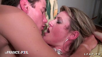 Amateur casting of a cougar mom sodomized and fisted with a boobjob