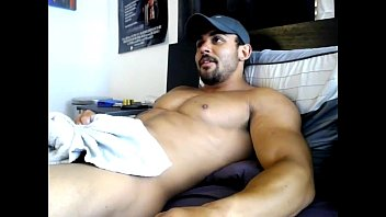 [CAM] Benji4fratmen Cums on His Hot Body