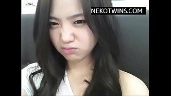 Korean Girl masturbates in Shower - NekoTwins.com