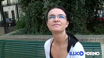 Abandoned by her husband, Sidonie lets go in front of the camera! French Illico