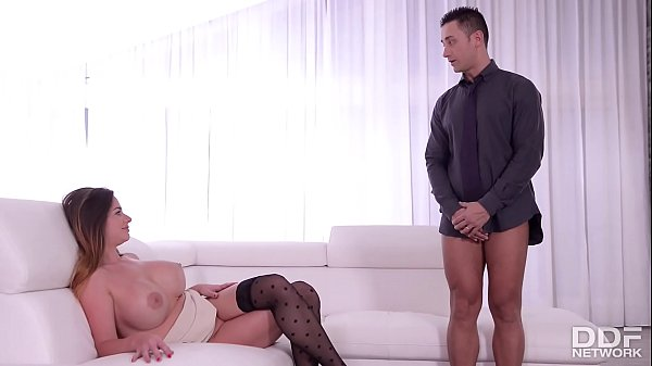 Rich Milf Cathy Heaven seduces her Bodyguard into Anal Sex