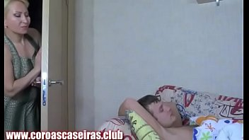 Aunt Gostosa Harassing The Innocent Nephew - www.coroascaseiras.club