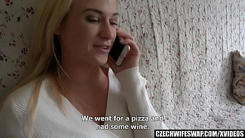 Amateur Swapped Blonde Persuaded for Morning Sex