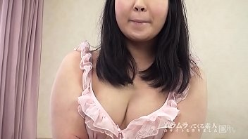 The right nipple feels better! Healing chubby that H is OK with friends, sex-loving shaved girl shows off her cleavage in an AV appearance interview! Saki Takayama 1