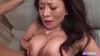 Rei Kitajima in hardcore threesome