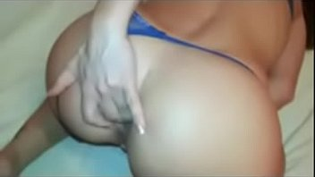 eating cuckold woman