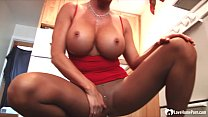 Busty MILF shows off while in pantyhose