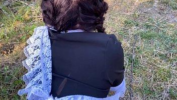 учитель выебал в кустах школьницу и случайно кончил ей в киску