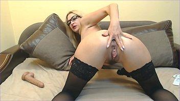 Mistress makes pussy lick
