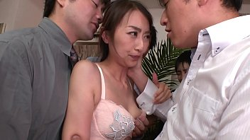 Bukkake Married Woman Playing With A Colleague's Wife As A Group Semen