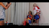 BACKSTAGE - For fans of super heroes and super villains, TWO GOSTOSAS TRANSVESTIS FUDENDO, Sabrina Prezotte and Adriana Rodrigues in Vilã vs. Heroine, Harley Quinn vs. Wonder Woman.