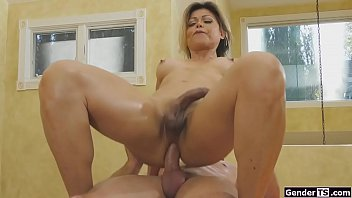Mature ts Johanna Badine anals masseur