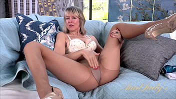 AuntJudys - 48yo MILF Jamie Foster in PANTYHOSE, toys her TIGHT PUSSY