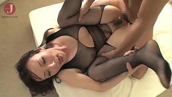 [HMHI-268] Sexy Asian bebe in kinky black lingerie gets a huge cumshot after intense fucking