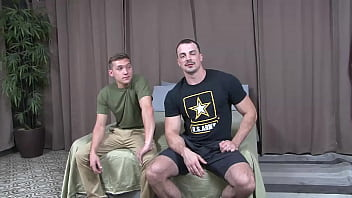 Military Bodybuilder Cums Face-To-Face With New Bunk Mate - ActiveDuty