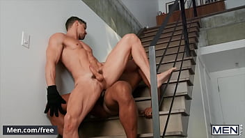 Burglar (Skyy Knox) Gets On His Knees To Take A Deep Face Fuck From (Jason Vario) - Men
