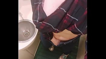I Masturbate Pussy in the Train Toilet and Recording it on Camera for You