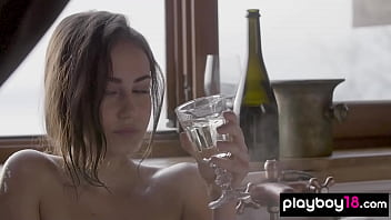Busty bubble covered beauty Sophie Limma teasing in the bath
