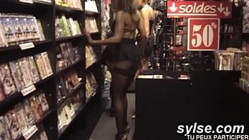 3 chaudes du cul affamées de sodo au sexshop